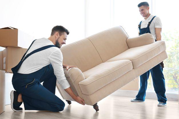 dodání nábytku na místo